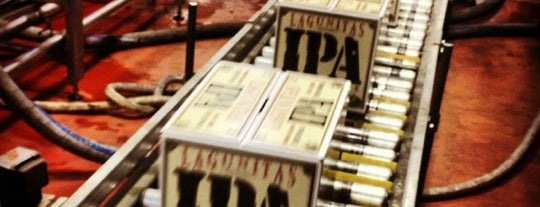 Lagunitas Brewing Company is one of Tempat yang Disukai Robert.