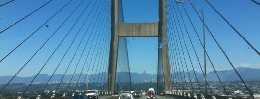 Alex Fraser Bridge is one of Lugares favoritos de Moe.