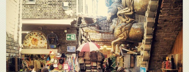 Camden Stables Market is one of Flea markets of the world.