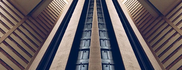New York Marriott Marquis is one of Locais curtidos por Marcello Pereira.