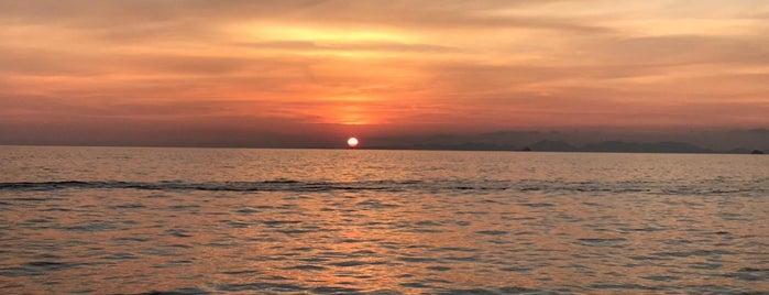 Railay Beach West is one of Lugares favoritos de DanGraHue_Pit.