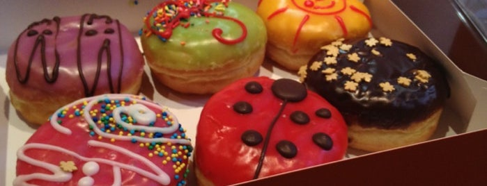 Dunkin' Donuts is one of Москва.