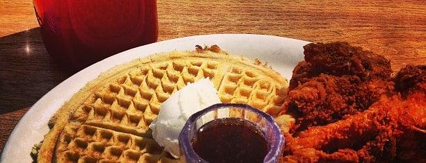 Lo-Lo's Chicken & Waffles is one of Phoenix, AZ.