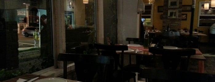 Mercatu Pizzaria is one of Posti che sono piaciuti a Aline Carolina.