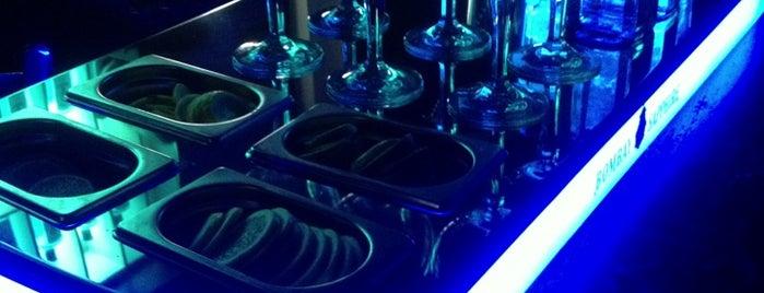 Bisú Lounge Club is one of madrid 10 años.