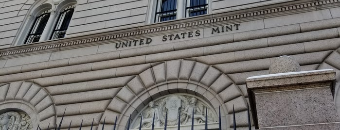 United States Mint is one of Tempat yang Disukai Andrew.
