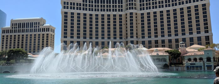 Fountains of Bellagio is one of Locais curtidos por Andrew.