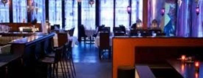 Kismat Indisk Mat & Bar is one of Christina'nın Kaydettiği Mekanlar.