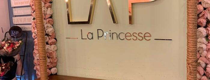 La princesse is one of Tempat yang Disimpan ToonC.