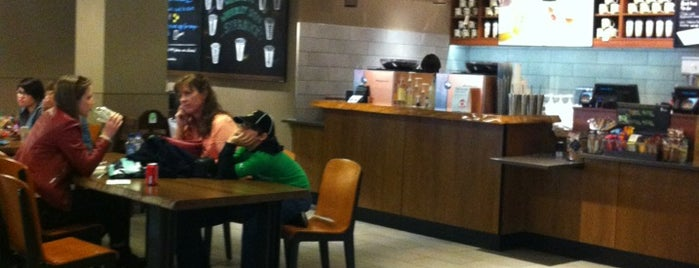 Starbucks is one of Martins 님이 좋아한 장소.