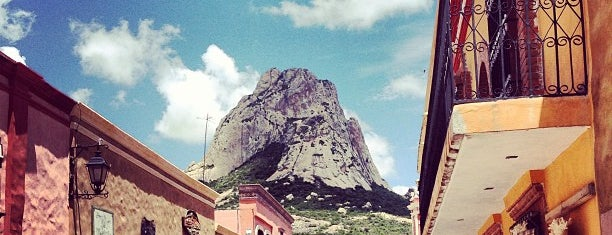 Peña de Bernal is one of Lugares favoritos de Ursula.