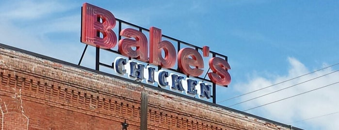 Babe's Chicken Dinner House is one of Lugares favoritos de Angela.