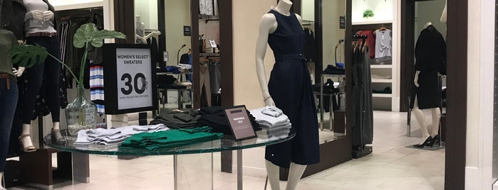 Banana Republic is one of Fave Clothing & Retail Stores.