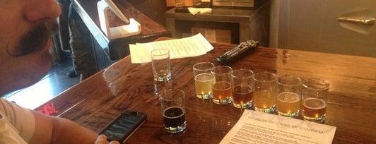 Black Bridge Brewery is one of Locais curtidos por Lori.