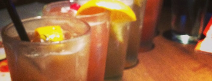 Applebee's Grill + Bar is one of Stevents 님이 좋아한 장소.