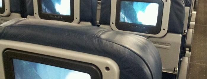 US Airways Flight 800 to Rio de Janeiro is one of Posti che sono piaciuti a Mikey.