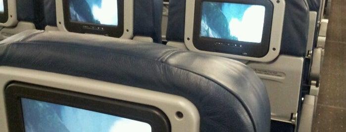 US Airways Flight 800 to Rio de Janeiro is one of Orte, die Mikey gefallen.