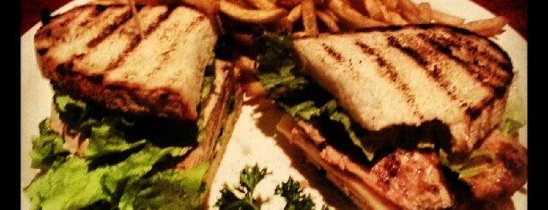 Baton Rouge Restaurant & Bar is one of สถานที่ที่ Mary ถูกใจ.
