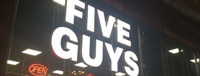 Five Guys is one of Locais curtidos por Abdulrahman.