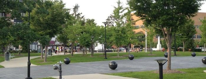 Shain Park is one of สถานที่ที่ James ถูกใจ.
