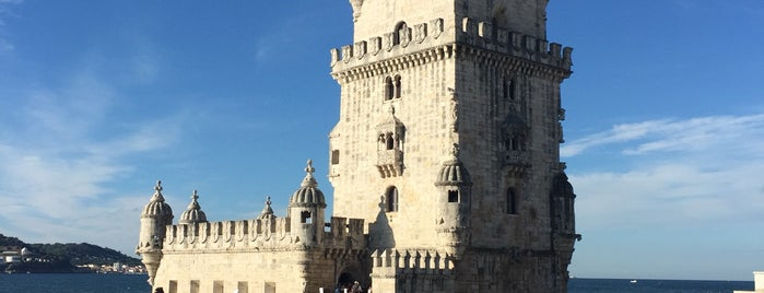 Torre de Belém is one of สถานที่ที่ Marcello Pereira ถูกใจ.