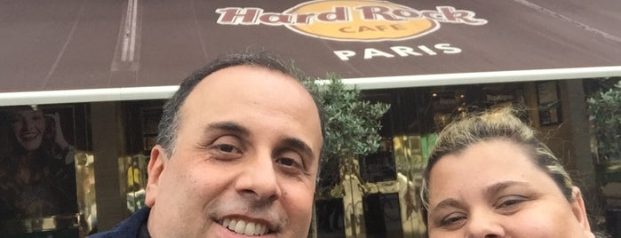 Hard Rock Cafe is one of Marcello Pereira 님이 좋아한 장소.