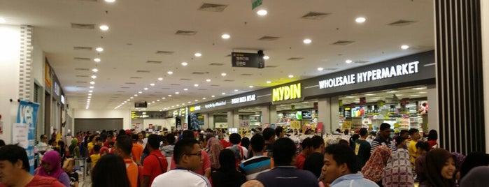 Mydin Mall Parit Buntar is one of Lugares favoritos de Animz.