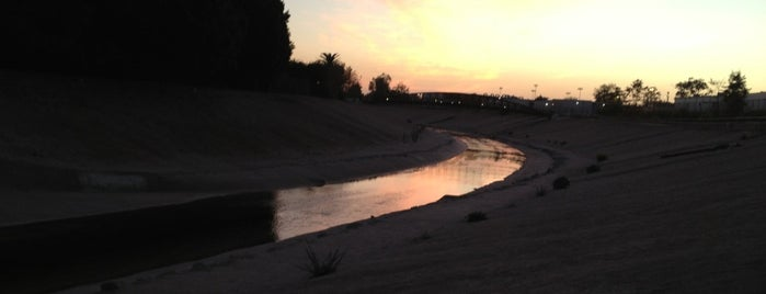 The Ballona Creek Loop is one of Mo's Liked Places.