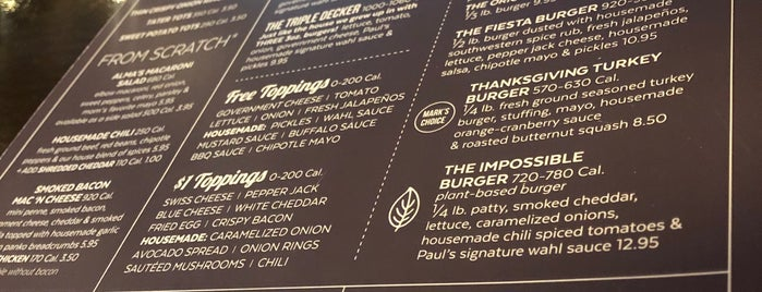 Wahlburgers is one of Michaelさんのお気に入りスポット.