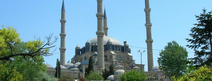Mesquita Selimiye is one of Locais salvos de Hilal.