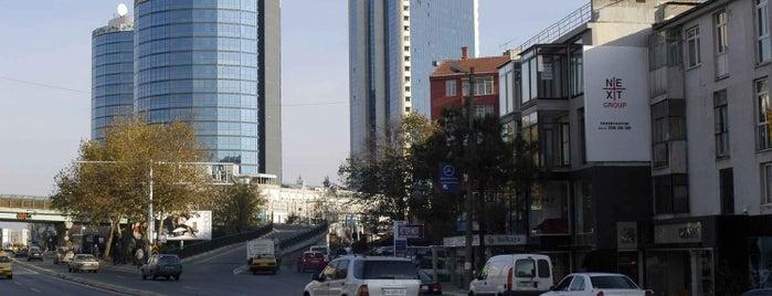 Etiler is one of İstanbul'da Gezilmesi-Görülmesi Gereken Mekanlar.