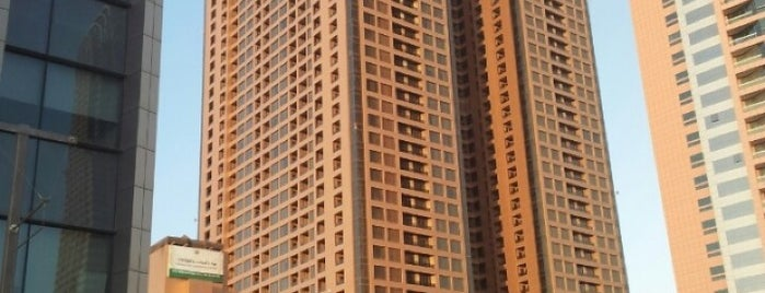 Two Seasons Hotel & Apartment is one of Emilio 님이 좋아한 장소.