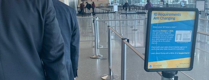 TSA Pre-Check is one of Locais curtidos por Shawn.