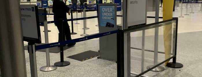 Terminal C TSA Pre-Check is one of Samah : понравившиеся места.