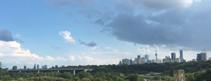 TheGovernor's Bridge Lookout is one of Toronto Neighbourhoods.
