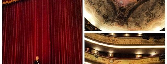 Theatre Royal du Parc is one of Lieux qui ont plu à Mario.