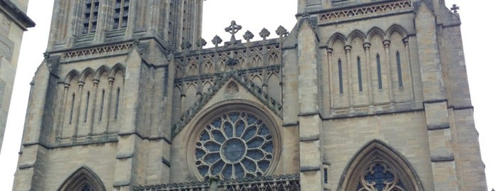 Bristol Cathedral is one of Locais curtidos por Carl.