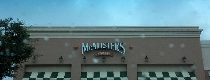 McAlister's Deli is one of Lugares favoritos de June.