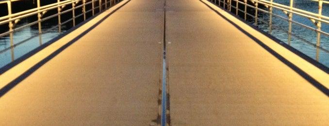 Flydebroen på Sortedams Sø is one of Dagligdagstips: Mest fra Ydre 2200 +Ydre 2100.