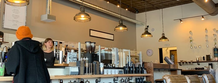 Link Coffee Bar is one of Tempat yang Disukai Andrea.