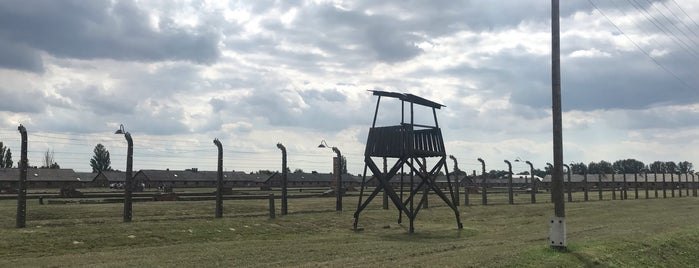 Auschwitz II - Terrain of the Former Birkenau Camp is one of Lugares favoritos de Lari.