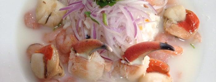 El Galeón is one of Locais curtidos por Lari.