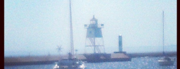 Grand Marais Harbor Beach is one of Kim 님이 좋아한 장소.