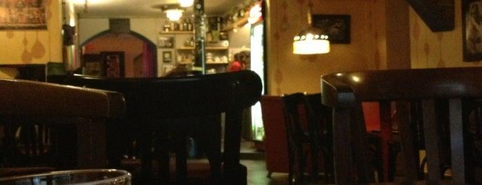 AUX Café is one of Kde si pochutnáte na kávě doubleshot?.