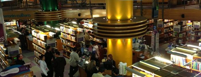 Livraria Cultura is one of Compras.