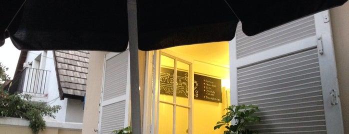 Café Loty's Küche is one of Los mejores de mi barrio.