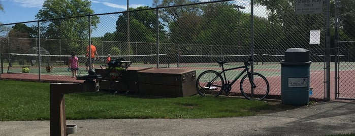 Lombard Commons Tennis Courts is one of Nancy's Wonderful Places/Games/Clothes ect....