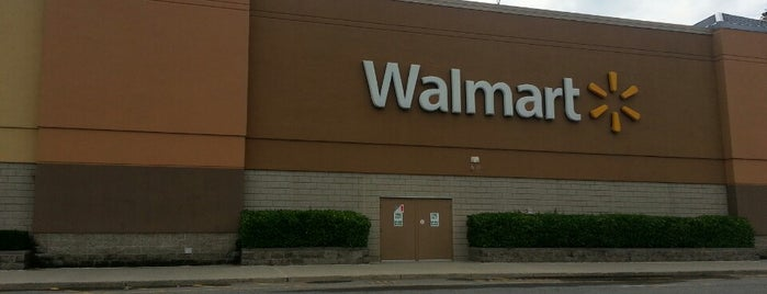 Walmart Supercenter is one of app check!!1.