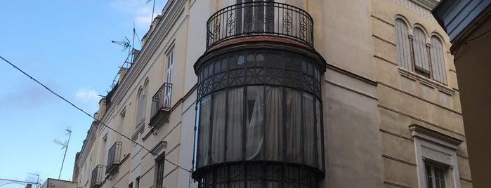 Casa Del Maestro is one of Posti che sono piaciuti a Serge.