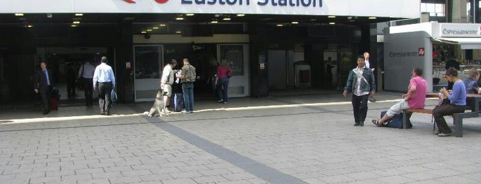 Estación de Euston (EUS) is one of Railway stations visited.